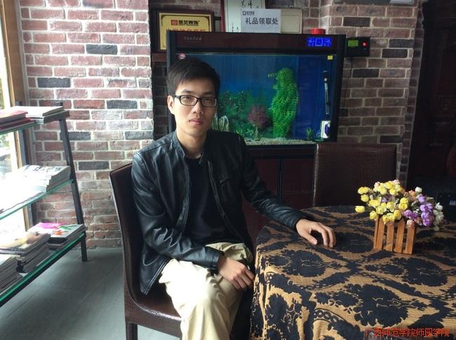 林章波  艺术系艺术设计2011级毕业生,考上广西艺术学院硕士研究生。