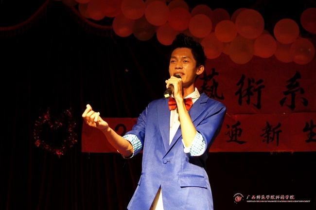 放飞梦想,唱响青春——艺术系2014迎新生晚会《清明上河图》演唱者:蔡飞飞